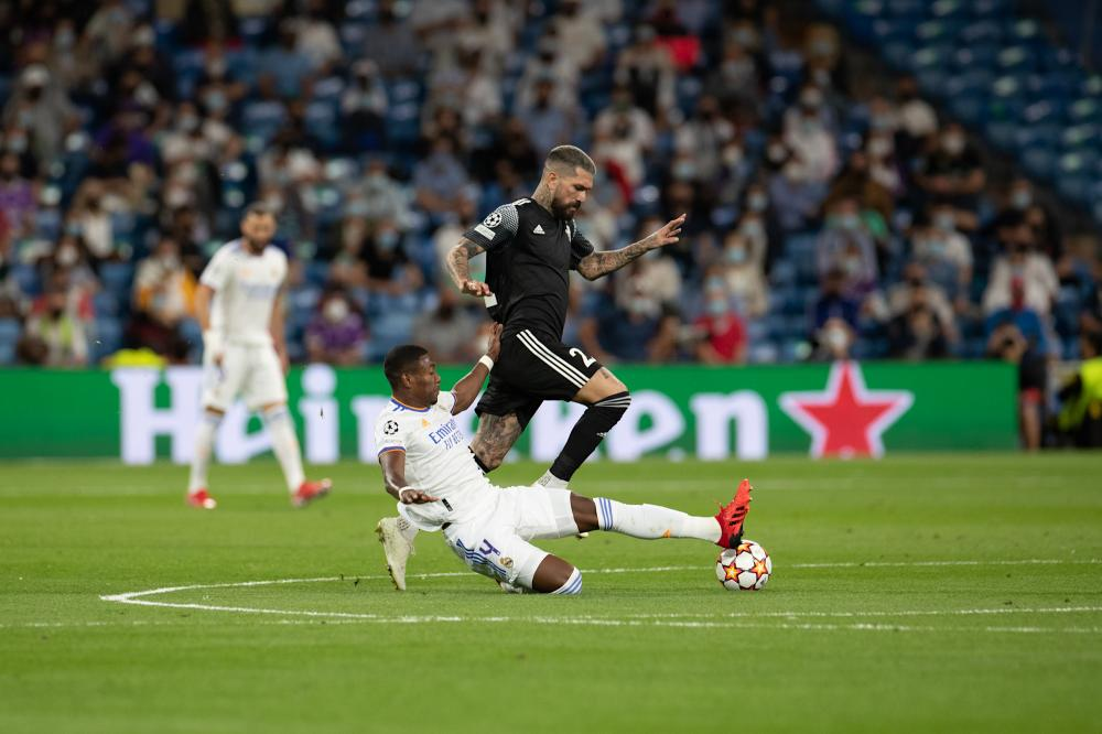 David Alaba y Dimitri Kolovos Real Madrid Sheriff